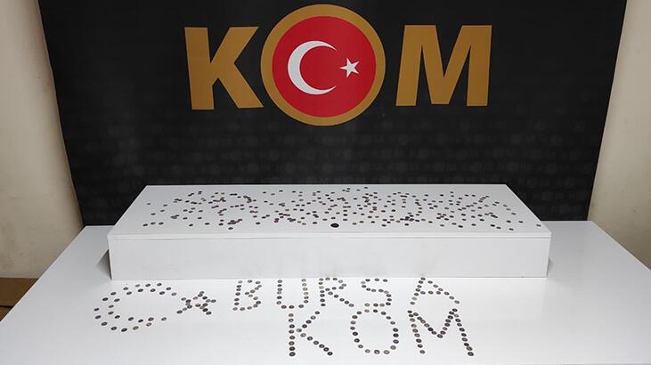 Bursa'da 1700 yıllık sikkeler ele geçirildi