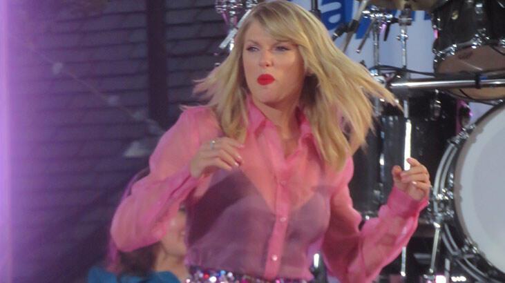 Taylor Swift'in 6 albümünün hakları 300 milyon dolara satıldı