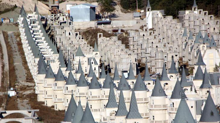 Mudurnu'daki şato villaları yapan şirkete 1 yıl mühlet kararı