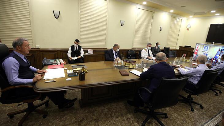 Son dakika! Bakan Akar'dan Türk-Rus görüşmeleri hakkında açıklama