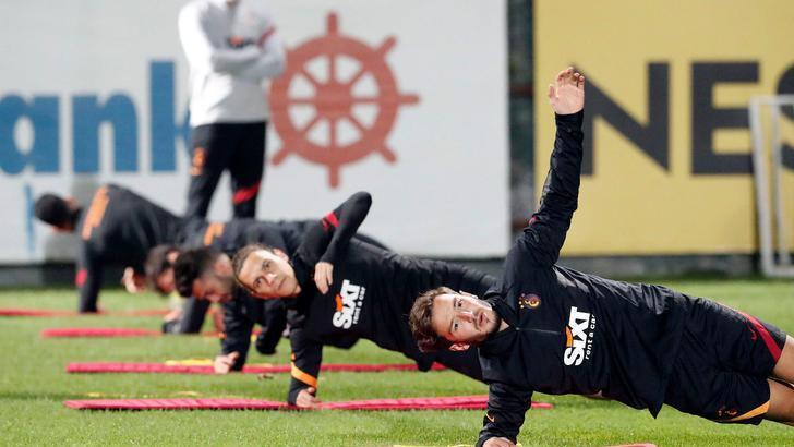 Son dakika   Galatasaray'da Etebo şoku! Eksik 9'a çıktı