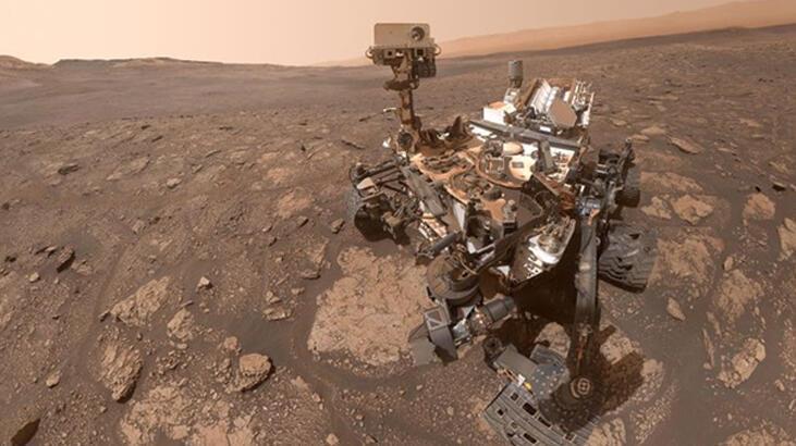 NASA'nın Curiosity Mars Rover Robotu Mars'ta selfie çekti