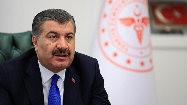 Sağlık Bakanı Koca'dan 'Maskenizi çıkarmayın' uyarısı