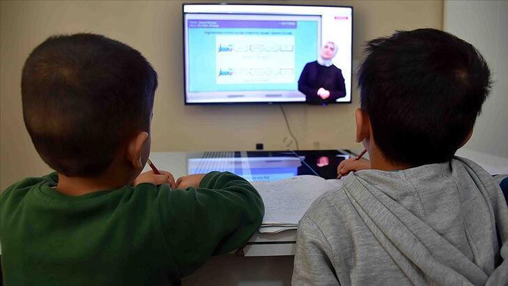 Uzaktan eğitim ne zaman, nasıl başlayacak? MEB uzaktan eğitim detaylarını paylaştı!