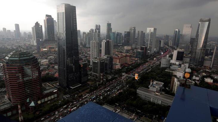 Endonezya yeni düzenlemelerle daha fazla yatırım hedefliyor
