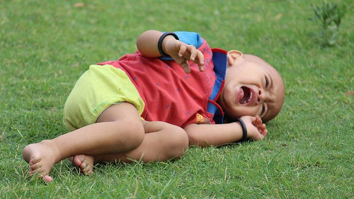 Bebeklerde kafa çarpması sonrası şişlik ne zaman ve nasıl geçer?