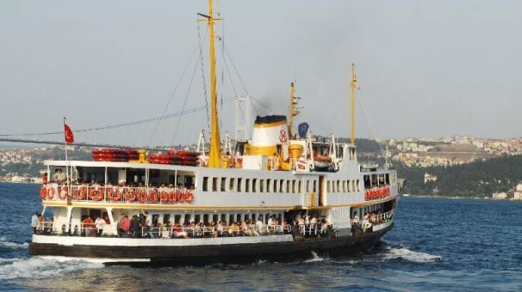 İstanbul'da vapurda iğrenç olay! Genç kadına bakıp yaptı