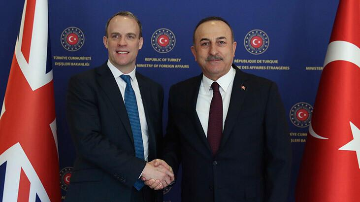 Son dakika... Bakan Çavuşoğlu, İngiliz mevkidaşı ile görüştü