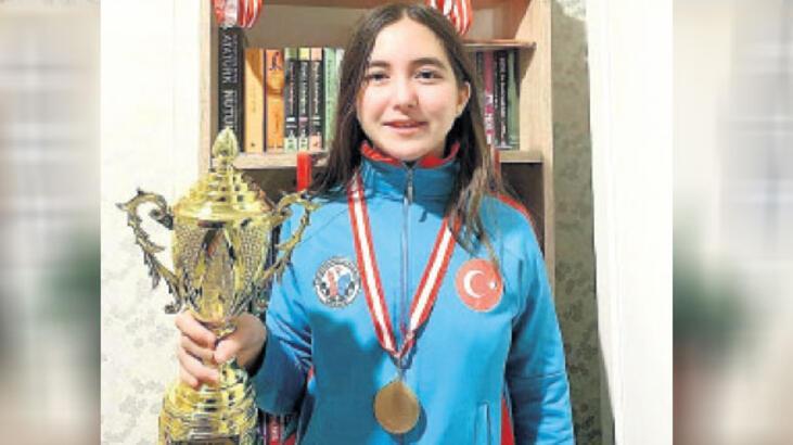 Satranç turnuvasının ödülleri ulaştı