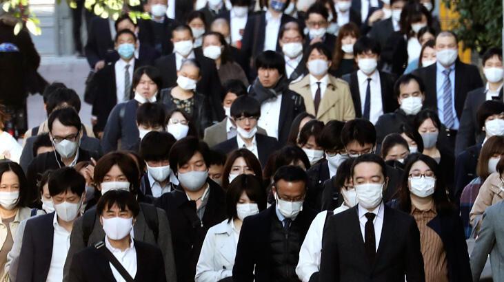 Tokyo'da koronavirüs uyarı seviyesi en yükseğe çıkarıldı