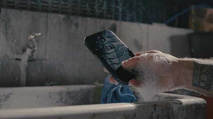 İngiltere'de dünyanın ilk anti bakteriyel telefonu piyasaya çıkacak