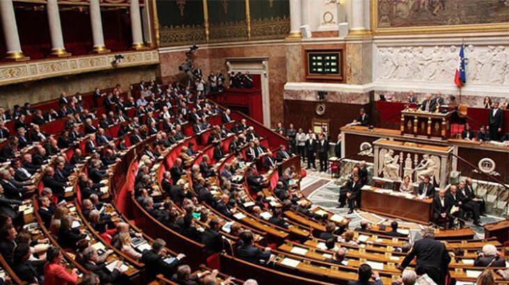 Fransa'da güvenlik yasa tasarısının tartışmalı maddesi geçti