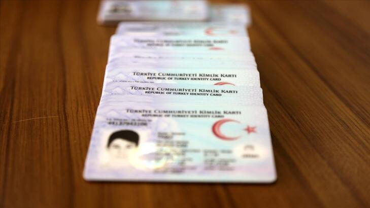 Son dakika... 3 yılda 7 bin 312 yabancı Türkiye vatandaşı oldu!
