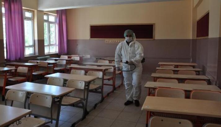 İslahiye'de 12 okul KPSS öncesi dezenfekte edildi