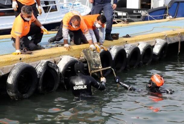 Deniz dibindeki atıklar temizleniyor