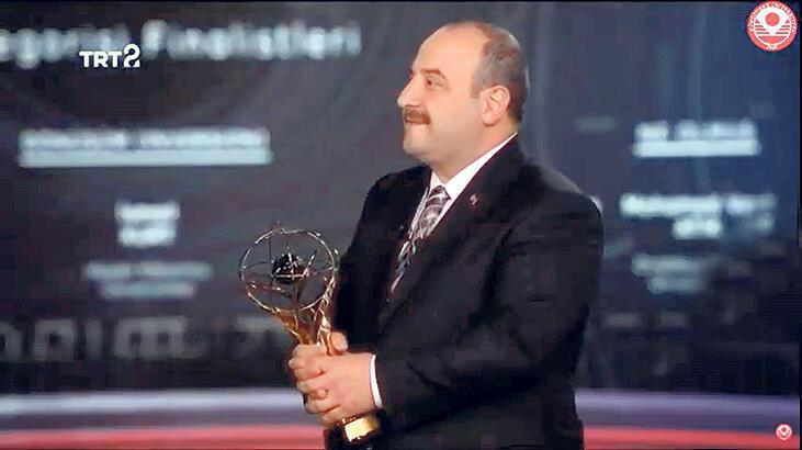 'Dönüşüm'e TRT Geleceğin İletişimcileri Ödülü