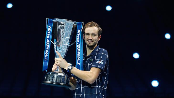 ATP Finalleri'nde Rus Medvedev şampiyon oldu