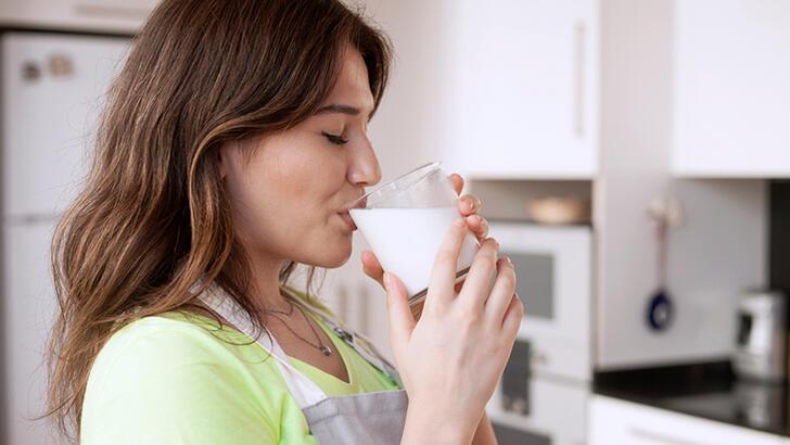 Süt içmek dişler için gerçekten faydalı mı?