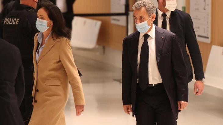 Sarkozy yolsuzluktan mahkemeye çıktı