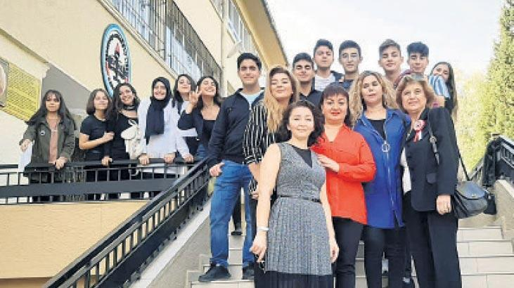 'Öğrencilerimi yalnız bırakmaktan korktum'
