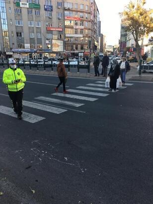 Kayseri'de yayalara yol vermeyen 41 araç sürücüsüne ceza