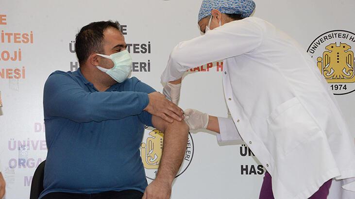Çin aşısı Diyarbakır'da gönüllüler üzerinde uygulandı