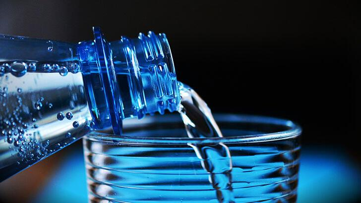 Su Şişesi Tekerlemesi: Şiş şişeyi şişlemiş, şişe de keşişe kış demiş…