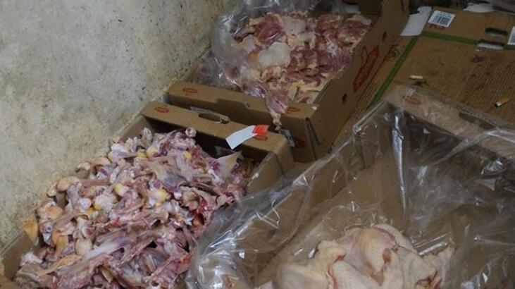 Uygunsuz koşullarda tavuk eti paketleyen işletmelere baskın!