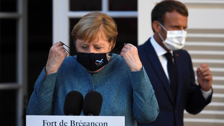 Merkel duyurdu! Almanya'daki kısıtlamalar uzatıldı...