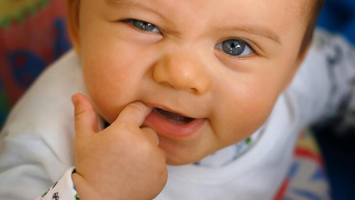 Diş çıkarma ne zaman başlar, bu süreçte neler yaşanır?