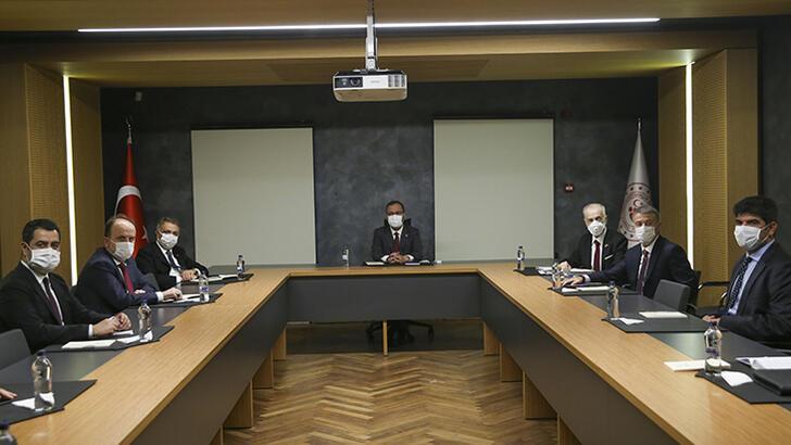 Bakan Kasapoğlu, kulüp başkanlarıyla bir araya geldi
