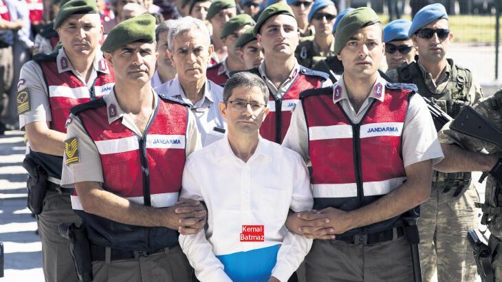 Halka bomba yağdıranlara ceza yağdı!
