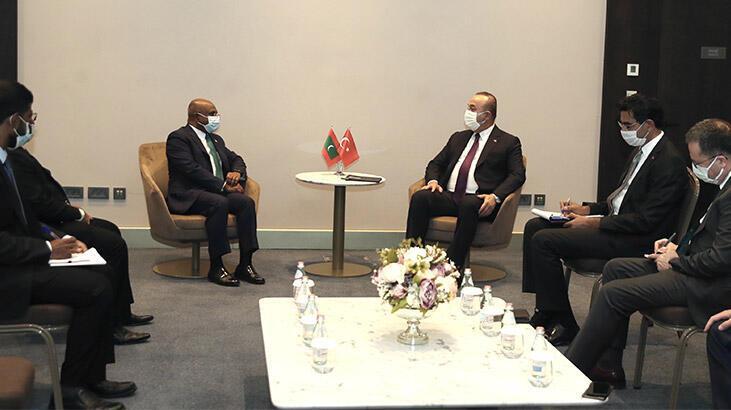 Çavuşoğlu, Nijer'de Maldivler ve Çadlı mevkidaşlarıyla görüştü