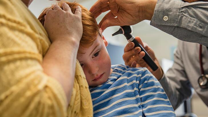 Çocuklarda görülen kulak ağrısı hangi hastalığın işareti olabilir?