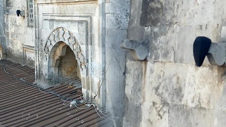 6 asırlık camide esrarengiz olay
