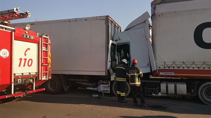 Anadolu Otoyolu'nda kaza! İstanbul yönü ulaşıma kapandı