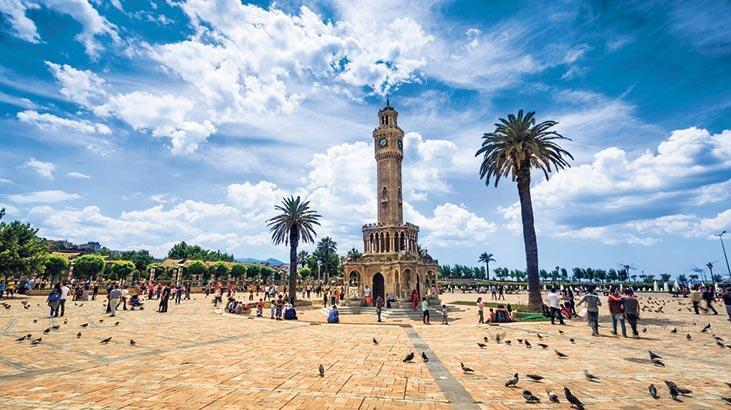 Tarihi yaşatan saat kuleleri
