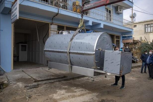 Mersin'de 5 kooperatife 'süt soğutma tankı'