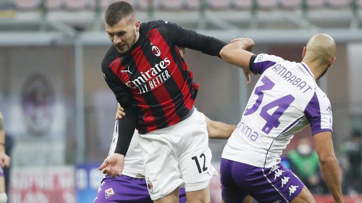 Serie A'da lider Milan, Fiorentina karşısında zorlanmadı