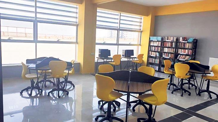 1000 kitaplık kütüphanelerle donatıldı
