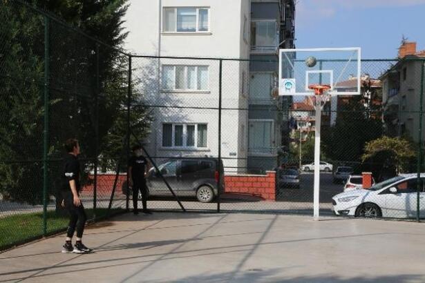 Odunpazarı'nda basketbol sahaları yenilendi