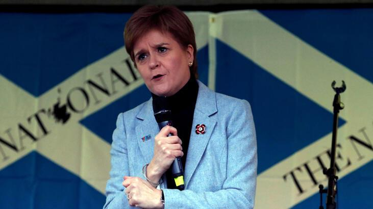 İskoçlar yeni bağımsızlık referandumunda ısrarcı