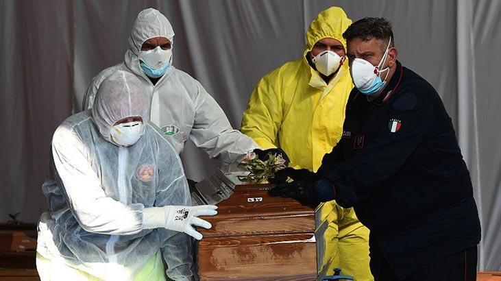İtalya'da son 24 saatte 684 kişi hayatını kaybetti