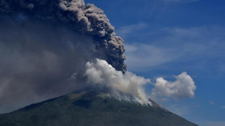 Ili Lewotolok Yanardağı'nda yeni patlama