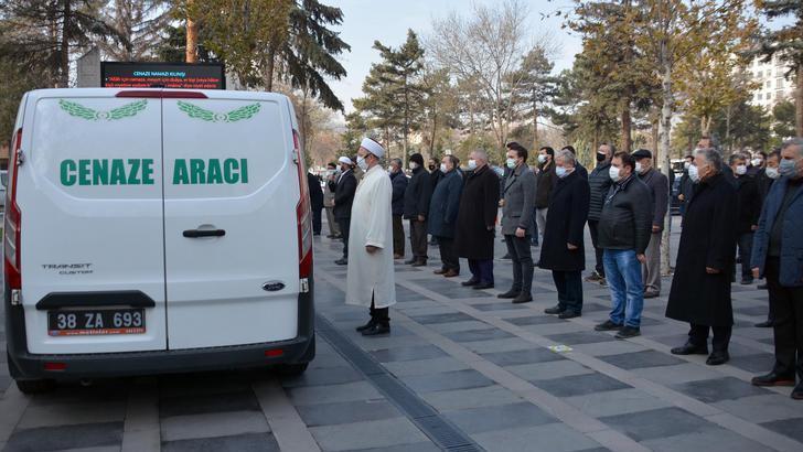Kayserispor eski başkanı Sami Yangın son yolculuğuna uğurlandı