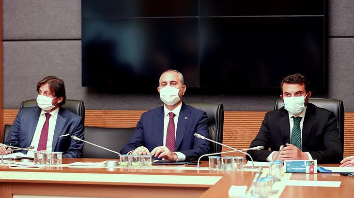 Bakan Gül: İnsan hakları çerçevesinde atılacak adımlar üzerinde çalışıyoruz
