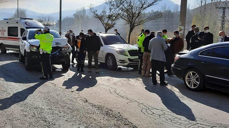 Son dakika... AK Parti Genel Başkan Yardımcısı Demiröz'ün konvoyunda kaza