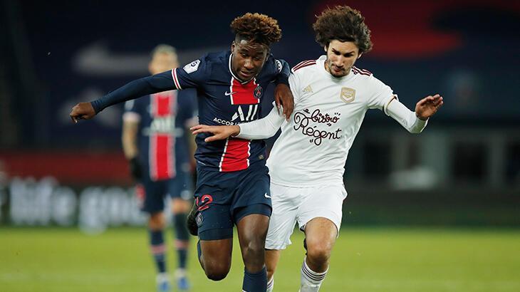 PSG, genç oyuncusu Timothee Pembele'nin sözleşmesini yeniledi