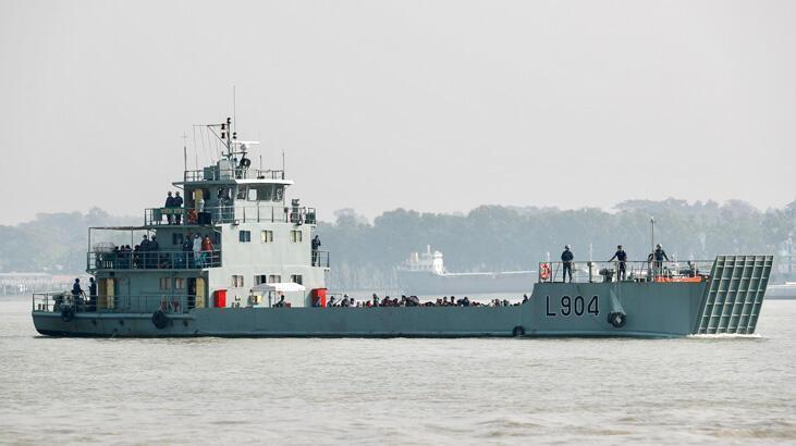 Bangladeş, Arakanlı mültecileri tartışmalı adaya yerleştiriyor