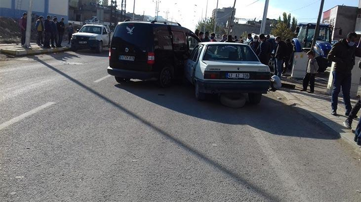 Mardin'de 3 araç birbirine girdi: 1 yaralı